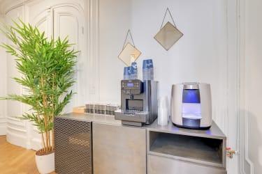 Salle de réunion Paris - Machine à café - fontaine a eau - Cocoon Laos - Théodore