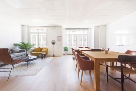 Bureau à l'heure 75008 Paris - Salle de réunion cosy et design