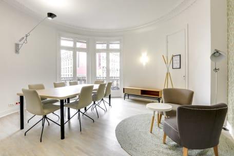 Bureau à l'heure 75009 Paris - salle de réunion cosy lazare
