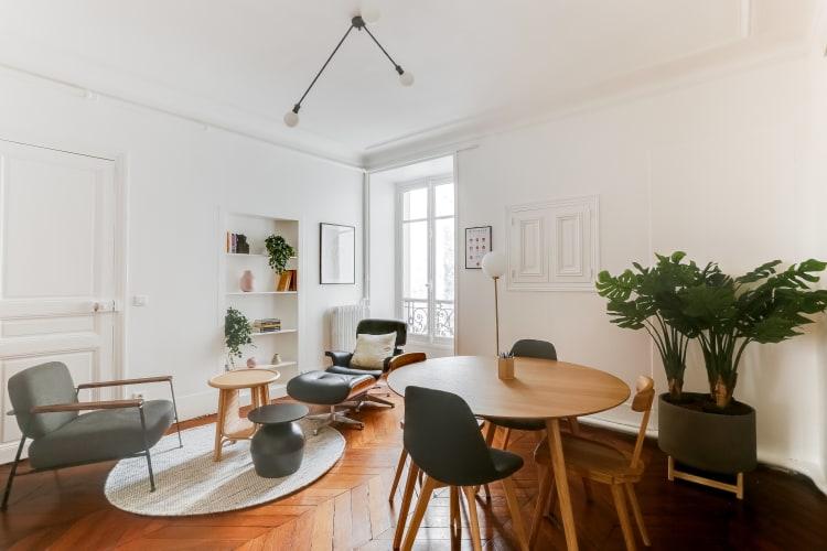 Salle de réunion Paris - Espace de coaching cosy et design - Cocoon Pyramides - André