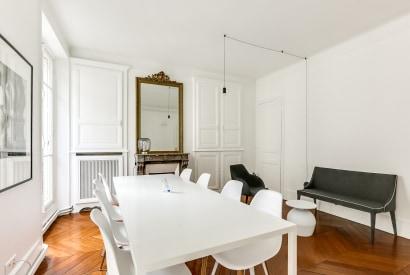 salle de réunion Paris - Bureau à l'heure ou à la journée Paris  - Cocoon Pyramides - Anne