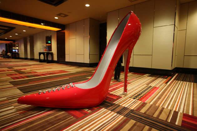 Cosmopolitan Las Vegas, The Big Shoes