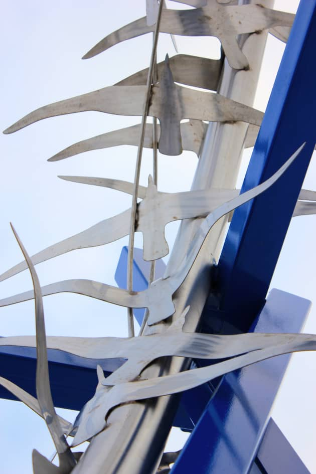 Freedom (Roundabout sculpture)