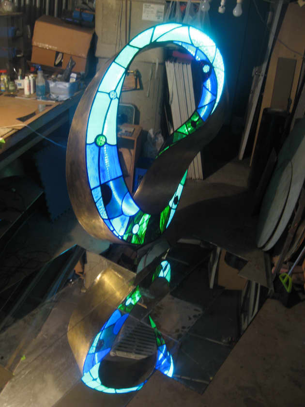 Light Infinity (homage to Frank Lloyd Wright)