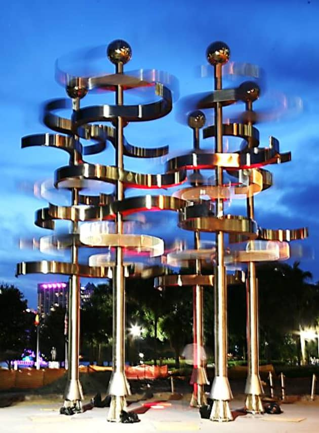 Kinetic Wind and Light Sculpture UNION