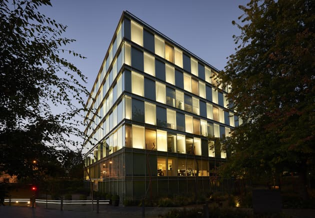 Amandolier Building