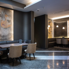 KriskaDECOR decorates the exclusive Hotel Renaissance (Marriott) placed in Wien.