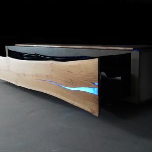 Liquid cabinet