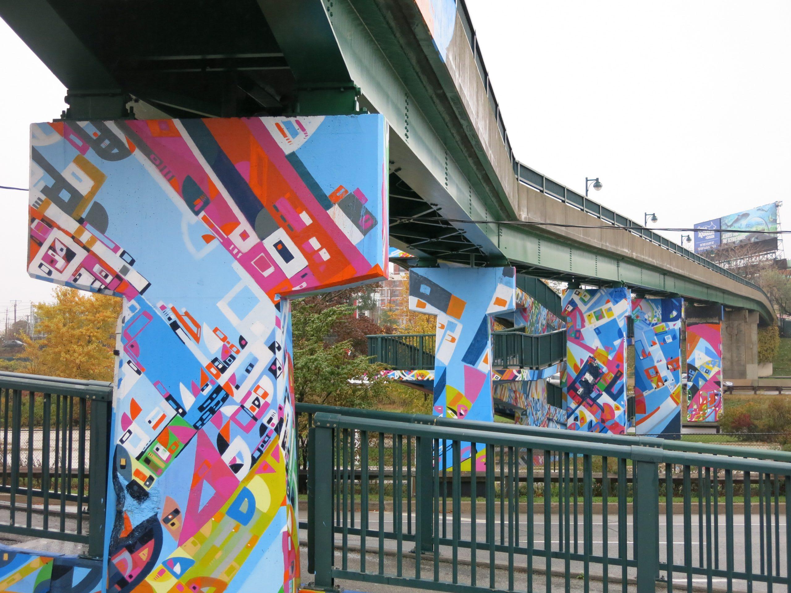 Toronto – Roncesvalles Pedestrian Bridge