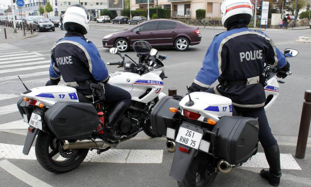 police-gendarme-securite-routiere-permis