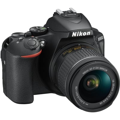 NIKON D5600 WITH 18-55MM AND 70-300MM COMBO
