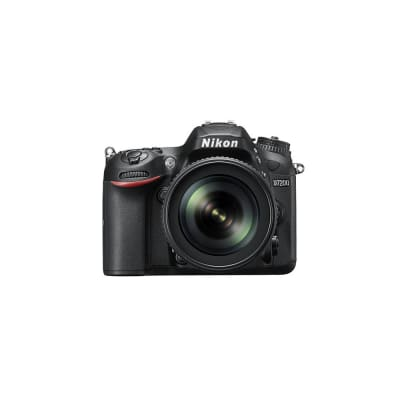 NIKON D7200 WITH 18-200MM