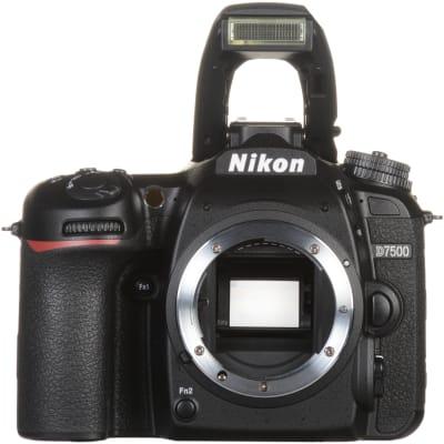 NIKON D7500 (18-105MM)