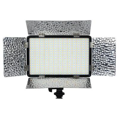 KODAK V418 CAMERA MOUNT LED VIDEO LIGHT WITH BARN DOOR