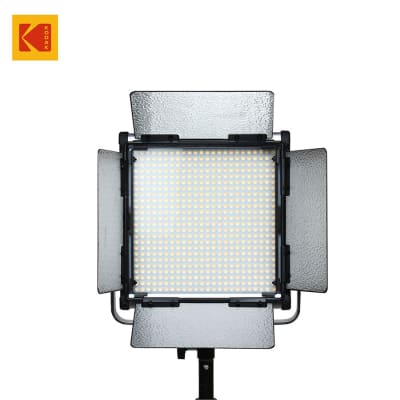 KODAK V576M LED VIDEO LIGHT WITH BARN DOOR AND REMOTE