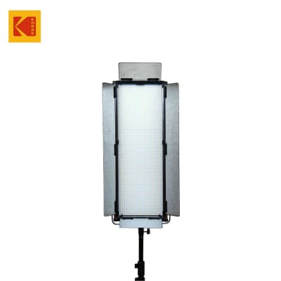 KODAK V1728M LED VIDEO LIGHT PANEL WITH BARN DOOR AND REMOTE