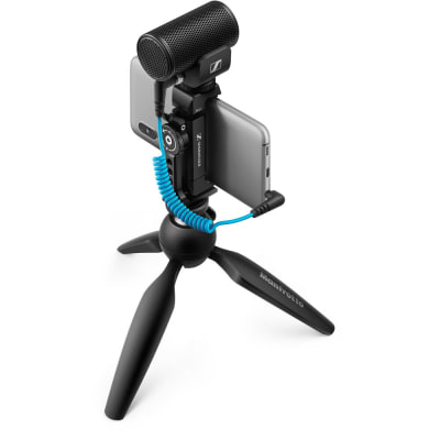 Sennheiser MKE 200 Mobile Kit Ultracompact Camera-Mount Directional Microphone with Smartphone Recording Bundle