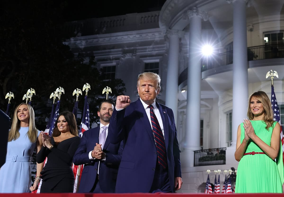 Picture of Donald Trump with family members in fron of the White House at the Republican National Convention.
