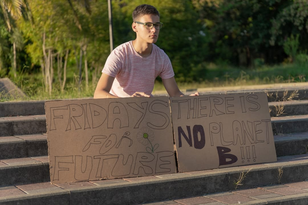 A young climate protestor