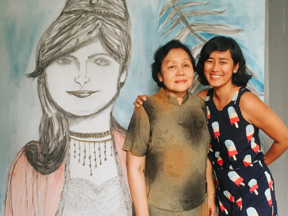 Picture of Dr Thinn Thinn Khine with her late mother, Julia.