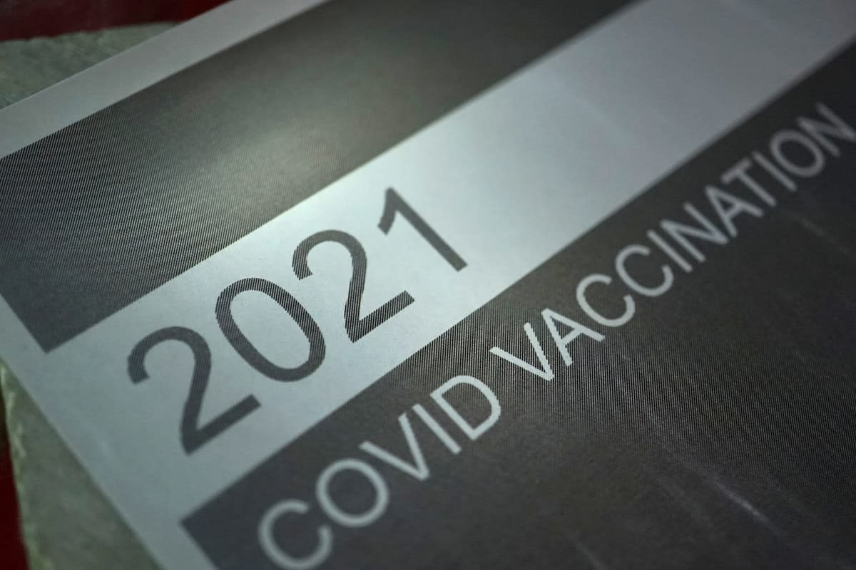 A 2021 COVID vaccination sign