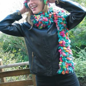 Daisy hat and scarf pattern