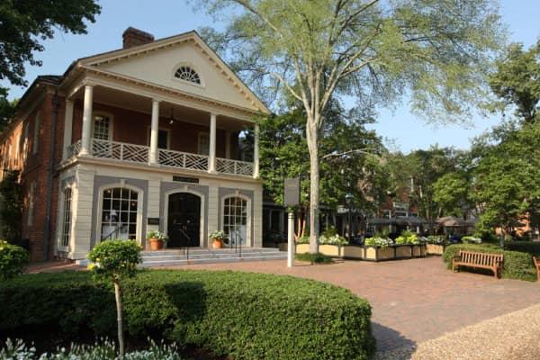 colonial house inn craft house