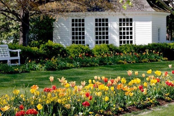 Bassett Hall Garden Walk
