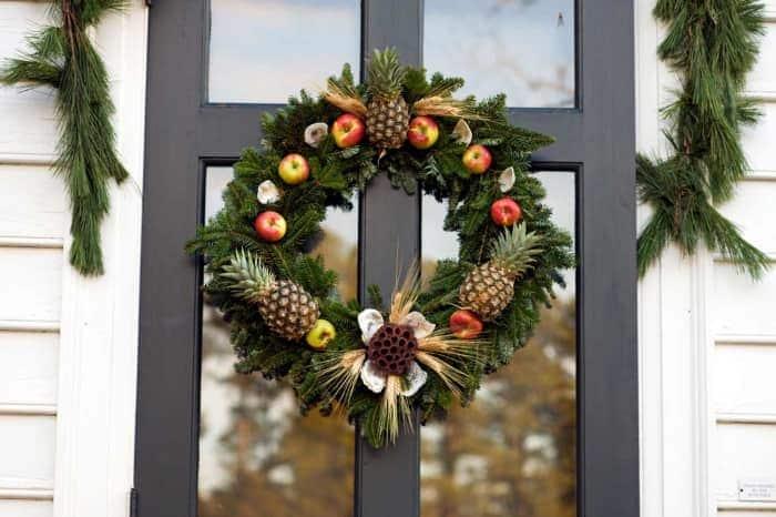 Colonial Williamsburg Christmas Decoration Demonstration