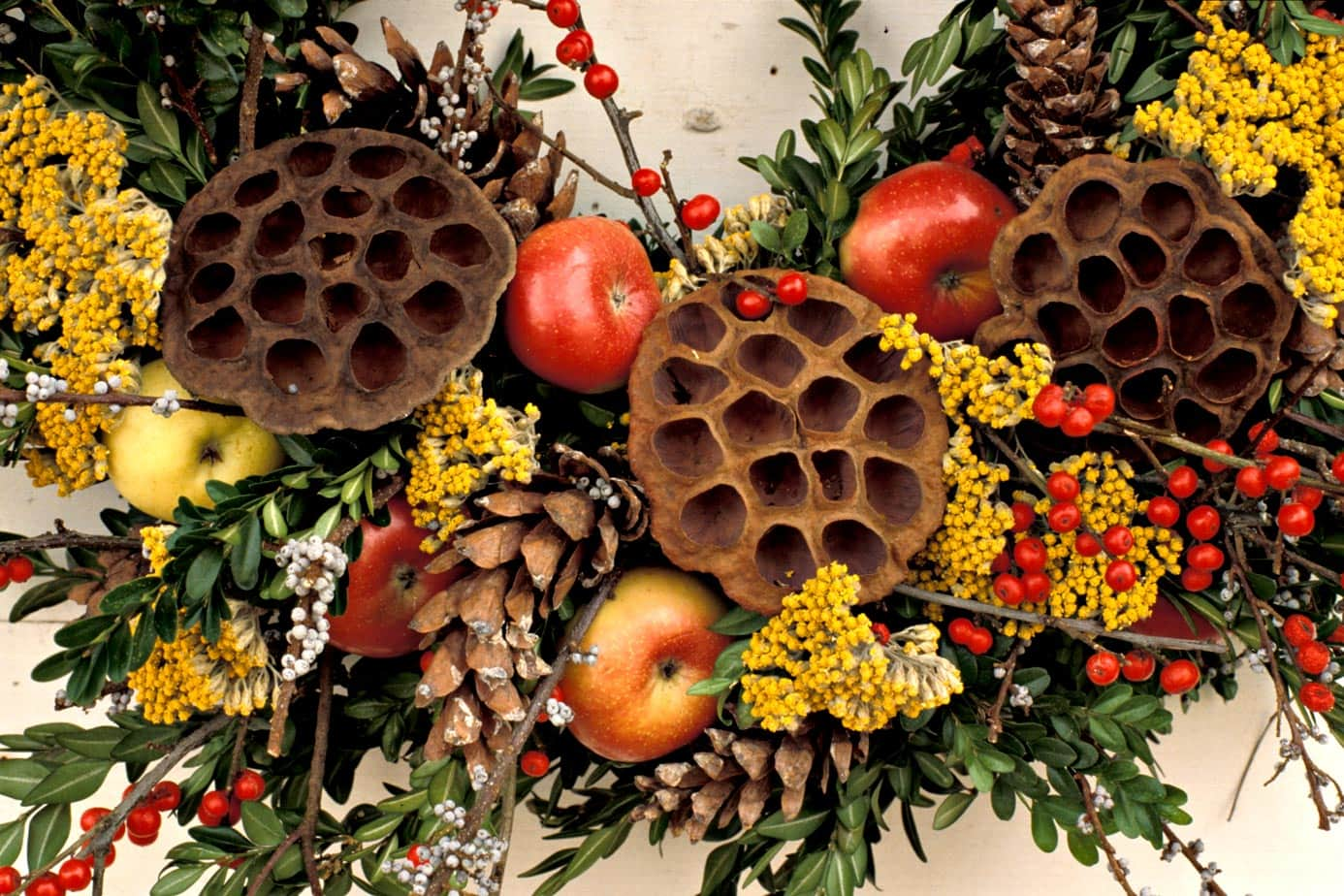 Colonial Williamsburg Wine and Design Wreath Decorating Workshop
