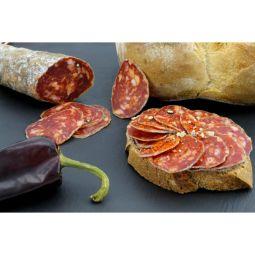DRY SAUSAGE WITH ESPELETTE PEPPER - Découvrez ce saucisson sec Pur Porc Artisanal au Piment d'Espelette, l'incontournable du Pays Basque !