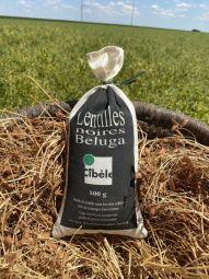 """Black lentils """"beluga"""" - La lentille noire Béluga vous surprendra par sa finesse et sa douceur en bouche. Elle est cultivée dans la campagne berrichonne au centre de la France et nous garantissons une parfaite qualité de tri et de traçabilité."""