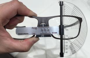 TE250 - Testeur de diamètre, double échelle d'écart pupillaire Réalisation de toutes les mesures de diamètre avec 1 seul tracé figuratif
