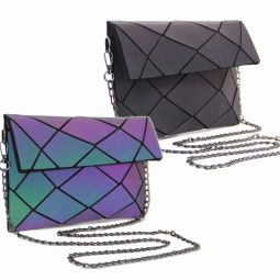 Handbag MOZAIKO - 25LU - Luminous ! This bag is designed in a material that reflects light! A bag that adapts to the mood of the moment, in all circumstances. Sober and chic by day, bright in the sun, festive at night! Dimensions: 25 * 14.5 * 7cm