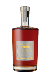 CAP D'ONA GRAND SPIRIT OF MALT RESERVE 50 - A great spirit with inimitable flavors, aged 48 months in barrels of local, ultra-selected natural sweet wines. Sweet blend of bourbon and woody vanilla flavors. Natural golden brown. Pleasure of great spirits.