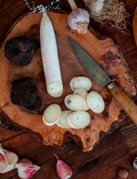 Sausage-shaped truffle goat cheese - Sausage-shaped truffle goat cheese