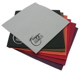 Airlaid napkins DUBELLE® - Airlaid napkins with a soft touch and high absorption quality. Available in 3 formats, 1/4 or 1/8 fold for an optimized table presentation, we personalize our napkins from 6,000 pieces.