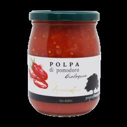 """Pulpe de tomates - Posta Faugno : Agriculture bio-musicale - Une pulpe de tomates biologique artisanale, à base de tomates indigènes à longs fruits caractérisées par une pulpe ferme et bien structurée.  Son goût authentique et sa texture la rende unique. Elle est idéale pour les sauces, soupes, plats principaux et parfaite pour les bruschettas et les pizzas.  Les sauces tomates Posta Faugno ne contiennent pas une once d'acidité grâce à la qualité des procédés de culture ARMONICOLTURA®. Les tomates sont récoltées à la main sur les sols de Posta Faugno à San Paolo di Civitate dans le Gargano, pour ne sélectionner que les meilleures.  ARMONICOLTURA®, c'est l'agriculture bio-musicale : une agriculture tournée vers la permaculture et la ferme """"mixte"""". L'envoi d'ondes par la diffusion de musique dans les cultures offre un renouveau dans les écosystèmes. Elles agissent notamment sur la protection naturelle des fruits et légumes - qui se voit accrue grâce à l'influence qu'elles opèrent sur l'humidité et leur croissance, et elles permettent de faire fuir les nuisibles.   Disponibles en format 580 ml uniquement."""
