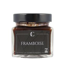 Framboise - Son parfum intense provient des variétés utilisées comme la Willamette ou l'Héritage que nous épépinons presque en totalité. Sa saveur exceptionnelle est magnifiée grâce à une faible teneur en sucre : une explosion de goût.