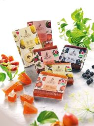 Organic Fruit jelly bar - The pack contains 5 individualy-wrapped organic Fruit jelly bars. Easy to carry, they are a genuine source of energy for sports enthusiasts and trekkers.