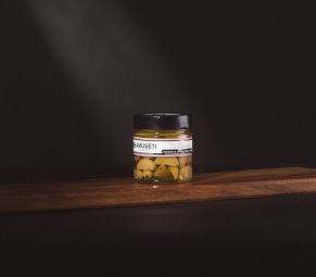 Truffaïou - Garlic confit with black truffle