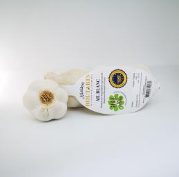 Ail Blanc IGP Drôme - La Maison Boutarin propose des filets 3 têtes ou 500g d'ail blanc IGP de la Drôme. L'ail blanc IGP de la Drôme est doux en bouche.  Usages : cru, cuit.   Indications : température ambiante, endroit sec et ventilé.