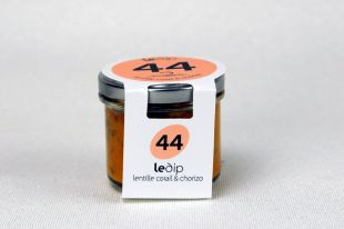 Dip de Lentilles corails et chorizo - Le Houmous, c'est l'Orient et la convivialité qui s'invitent à table. Cette purée de pois chiche parfumée au sésame est devenue une valeur sûre de l'apéritif sur des tartines. D'une texture crémeuse avec des notes acidulées propres au citron, complété par la touche exotique apportée du cumin. A déguster frais sur des toasts, tranches de baguette ou en verrine sur un lit de pesto de persil rehaussé d'un trait de jus de citron. (Ou pour débrider la fantaisie de gastronomes en quête de nouvelles créations culinaires) ou donneront une dimension résolument plus gourmande aux sandwichs, salades et autres petites faims !