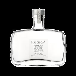 CAP D'ONA GRANDE VODKA AUX 7 CEREALES - Grande vodka 7 céréales. Une vodka très noble et d'une douceur rare. Très aromatique et délicate. Vieillie 3 ans avant sa commercialisation.