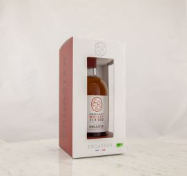 WHISKY SINGLE MALT PEATED ORGANIC 002 - An elegant and delicate peat with slightly grassy cereal notes supported by a balanced and warm woody of a very long length. A harmonious balance of great finesse.
