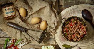Terrines et Plats Cuisinés - Nous souhaitons partager avec vous le goût unique des produits basques. Afin de restituer entièrement les saveurs nos spécialités, nous avons élaboré, cuisiné et mis en conserves des recettes à base de produits locaux et de piment d'Espelette
