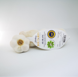 White Drôme PGI Garlic - Maison Boutarin offers 3-headed fillets or 500g of Drôme PGI white garlic.   Uses: raw, cooked.   Indications: room temperature, dry and ventilated place.