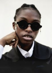 Huma Sunglasses - Huma is much more than an eyewear brand and it was founded in 2017 with the aim of materializing creativity and extravagance, characteristics that find freedom of expression in the fashion industry, particularly in the eyewear, accessories and jewelry segments. The Huma collections, designed by Federica Moretti and Made in Italy following high quality standards, are recognizable and unique because every single eyewear, with a minimal and chic design, can be embellished with accessories and jewels through a small eyelet that incorporates the brand logo. Each Huma product gives character and completes the look, but also the personality, of the wearer. The purpose of the brand is, in fact, to surprise and make anyone who chooses it feel special. This is because Huma it's like love at first sight.