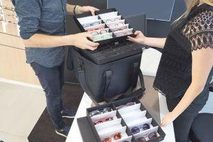 SAC SÉLECTION - Excellent complément du sac Génération optique, le sac très léger Sélection vous permet d'emporter encore 96 montures, avec un portage épaule ou main.