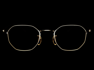 YUICHI TOYAMA : 5 / Tokyo - Concept / Story Working closely together with 5 handpicked artisans from Fukui, Japan, YUICHI TOYAMA : 5 incorporates generations of knowledge with the contemporary design philosophy of YUICHI TOYAMA. to create a prestigious new line that is the epitome of high-end eyewear today.